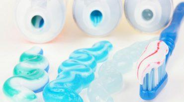 انواع خمیردندان و تاثیر آن در سلامت دهان و دندان